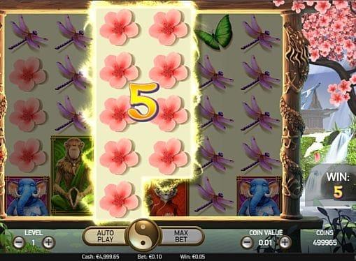Призовая комбинация символов в игровом автомате The Legend of Shangri-La