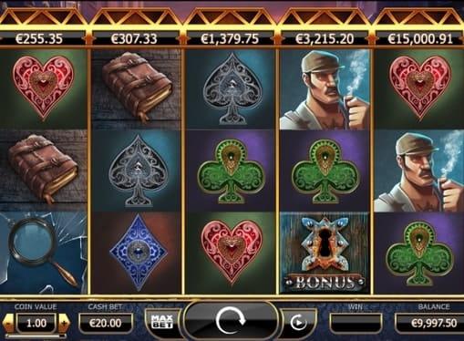 Комбинация символов с бонусом в игре Holmes and the Stolen Stones