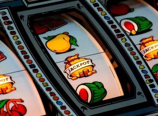 Джекпот на барабанах игрового автомата
